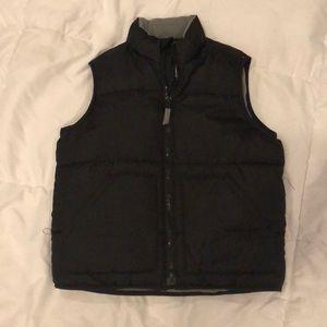 Boys XS Old Navy black puffer vest
